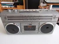 Radiomagnetofon SOUND 2022 SLS - Trzeszczy radio, odbiera 2 - 3 stacje