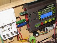 Ładowarka Turingi MAX200W komunikacja po bluetooth