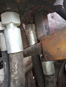 Ostrówek K-162 - Brak filtra hydrauliki
