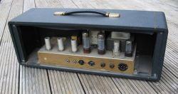 """Replika wzmacniacza lampowego Marshall JTM50 """"Black Flag"""" z 1967 roku"""