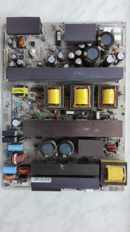 LG 42PC1R - wysyp czerwonych kropek