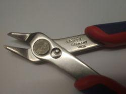 Precyzyjne szczypce tnące: Knipex 7803125, recenzja