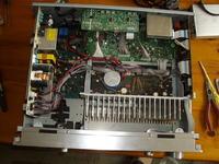 Sony STR-DB2000 - wyczuwalny potencja� na masie (obudowie).
