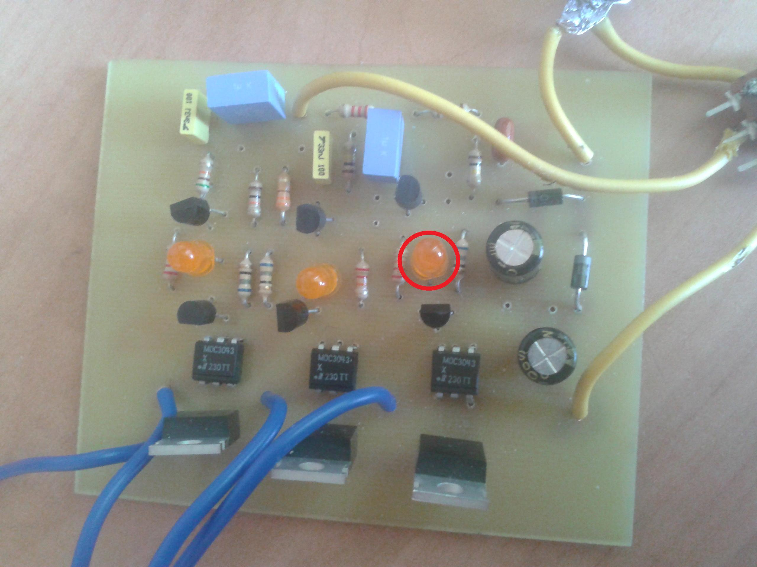 AVT2195 - niedzialajacy uklad iluminofonii (kolorofon) AVT2195