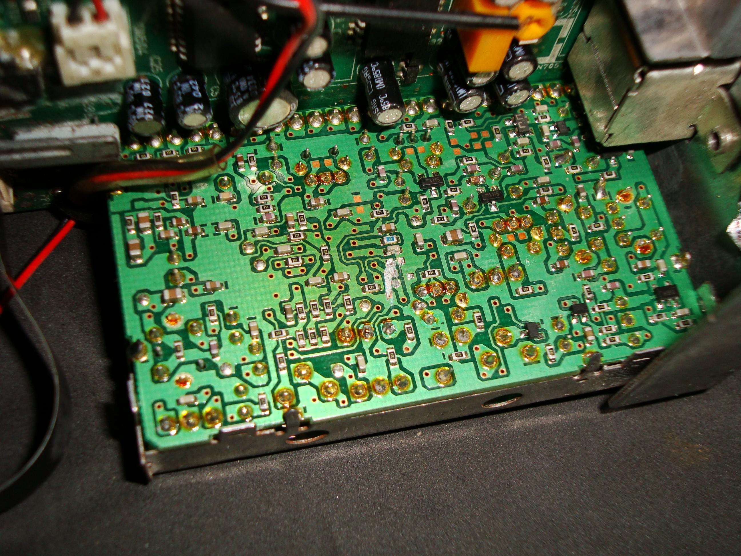 JVC KD-LX10R - g�owica FM jakie elementy