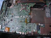 HP DV6700 - odratowany po zalaniu - trzaski w gl�o�nikach i wy��czanie si�