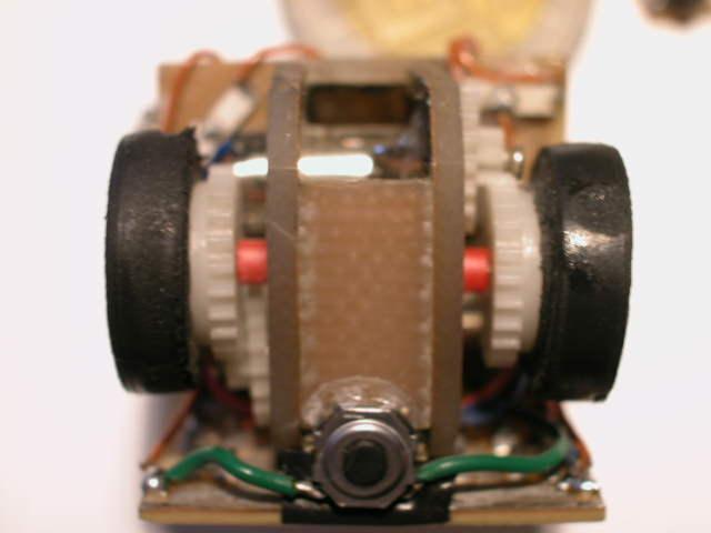 A jaki materiał do budowy robotów? Z czego podwozie?