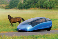 Węgrzy wyprodukują nietypowy samochód elektryczny Antro