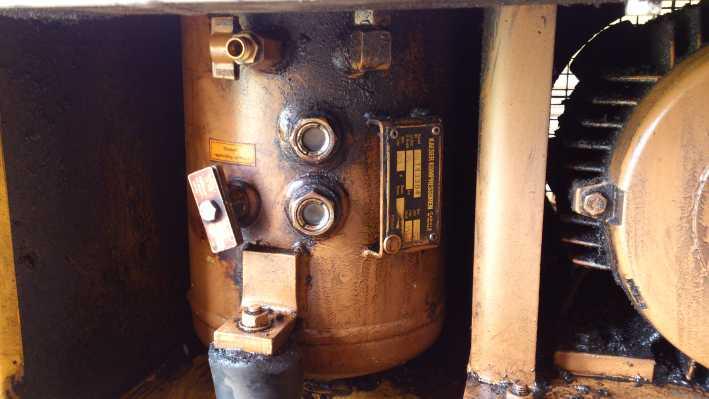 Kaeser SK19 - Wymiana oleju w kompresorze - spr�arka �rubowa