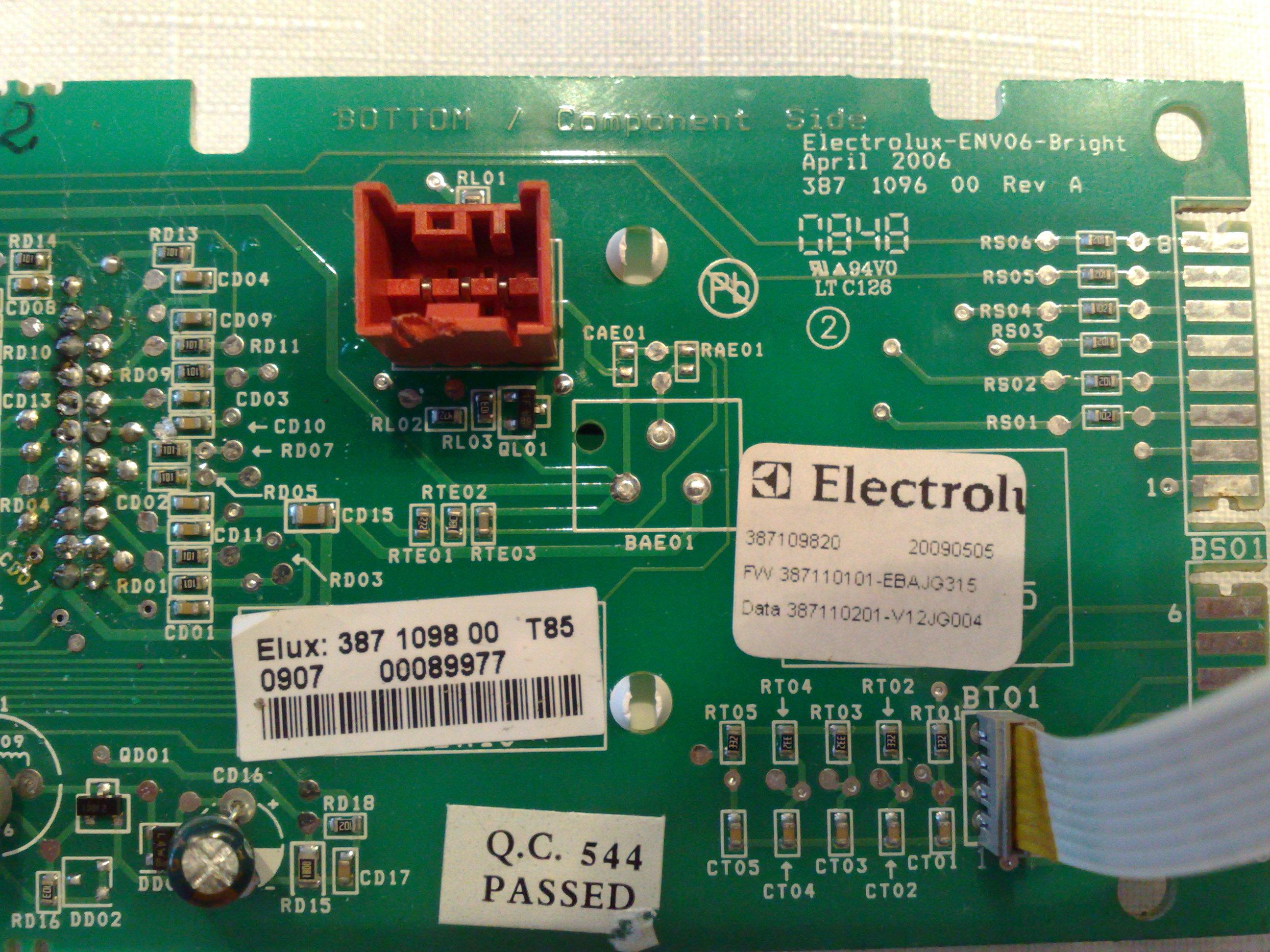 EOC68200X - Problem z wy�wietlaczem