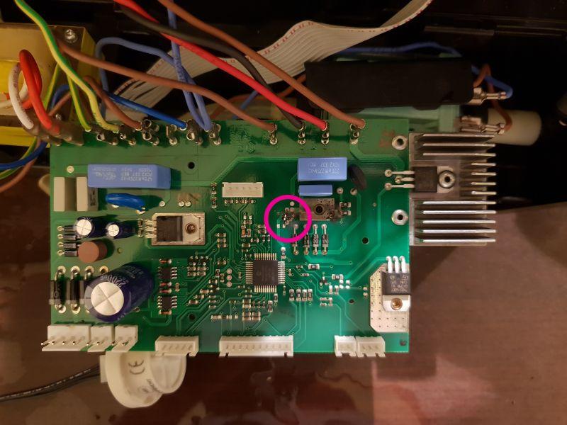 Ekspres do kawy Bosch TCA5201 - Poszukuję symbolu spalonych układów sterownika
