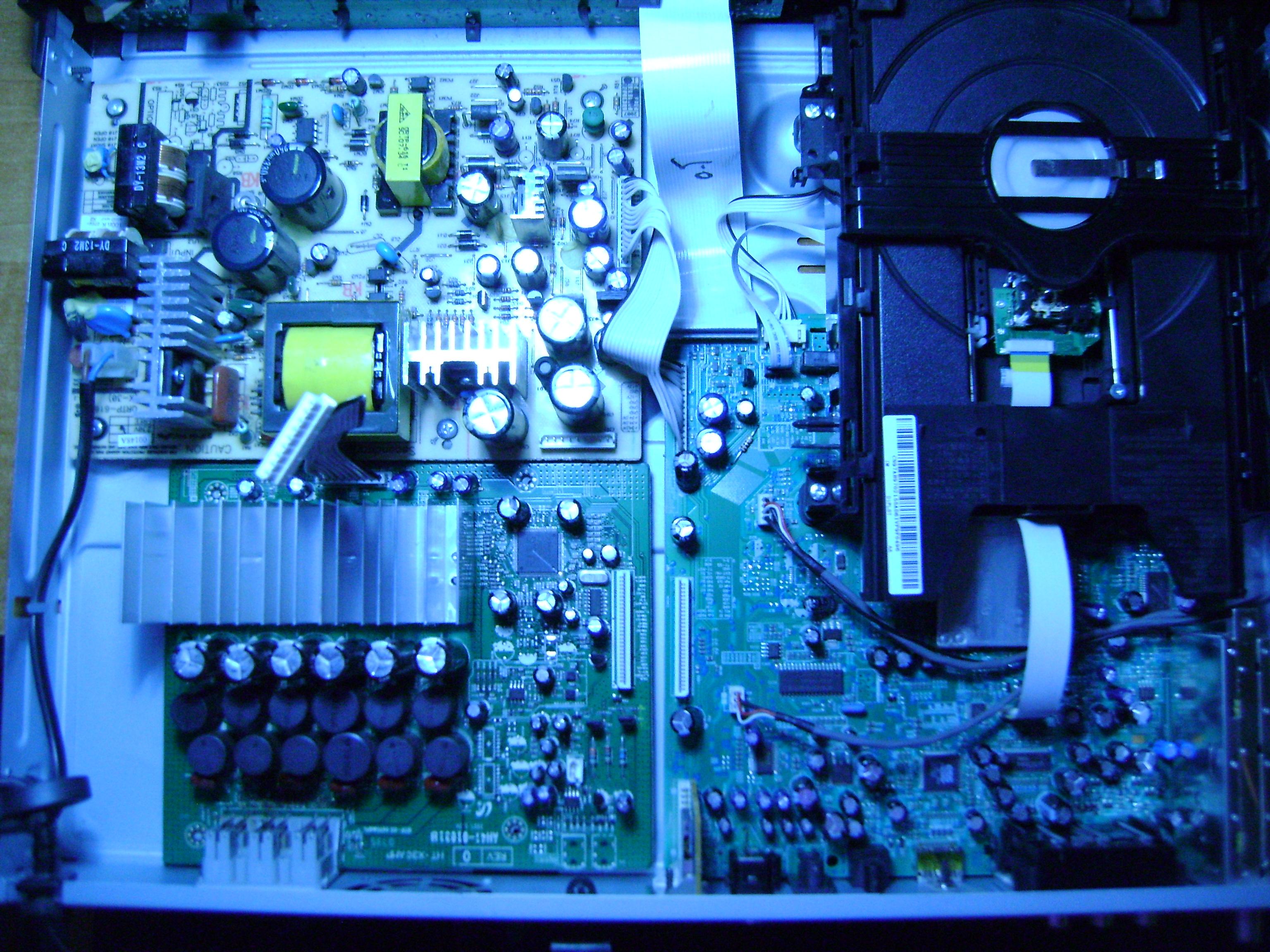 SAMSUNG HT-X30  - Spalony kondensator - Wymiana