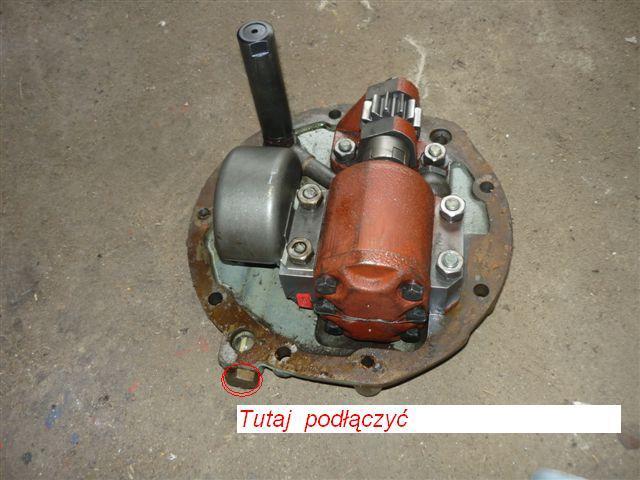 ZETOR 7245 - monta� dodatkowego rozdzielacza hydraulicznego.