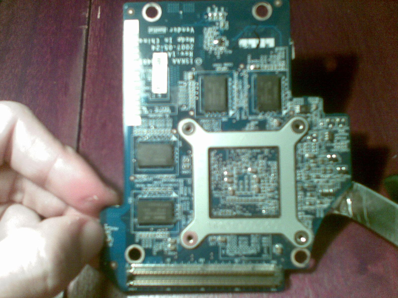Toshiba A200-M8 (PSAE6E) - nie uruchamia si� po czyszczeniu i nowej pa�cie term.