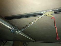 brama garażowa naprężenie łańcucha