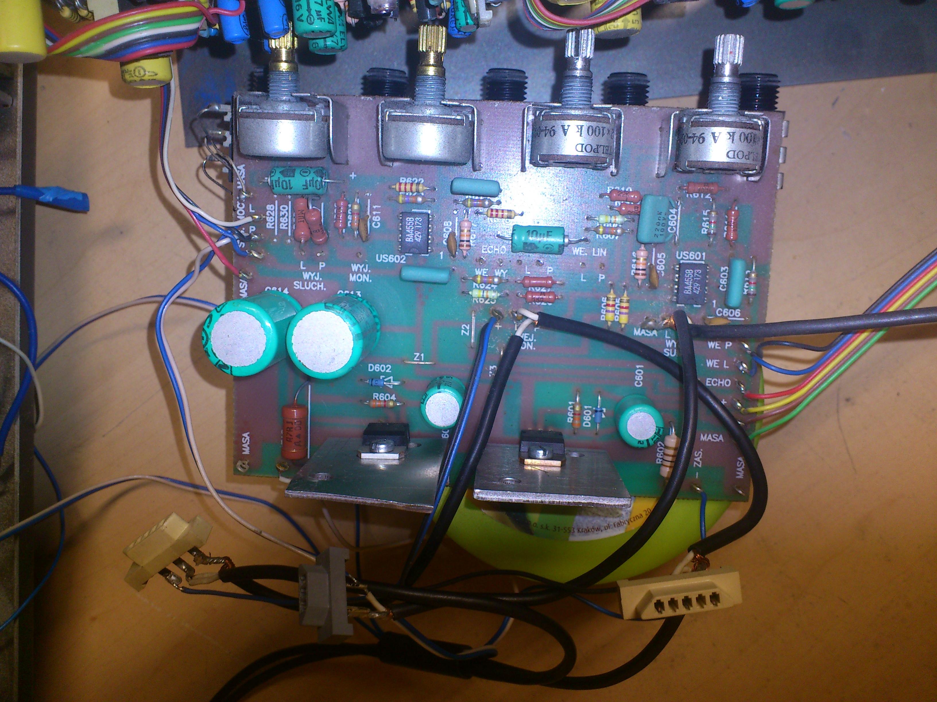 Gran E 2x150 - Przegrzewaj�cy si� tranzystor przedwzmacniacza