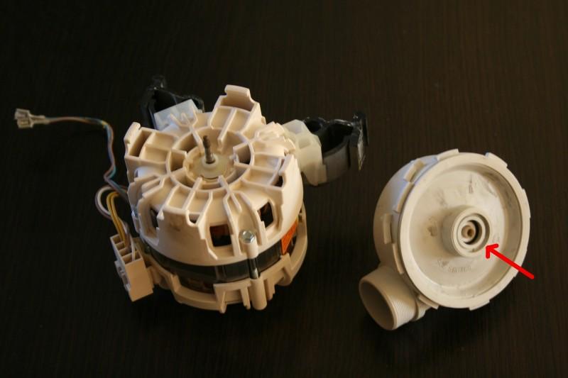 Zmywarka Electrolux ESL 66010 - Cieknie pompa