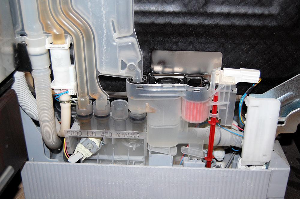 Zmywarka Bosch SD1301b - nie odpompowywuje wody / nie spuszcza wody