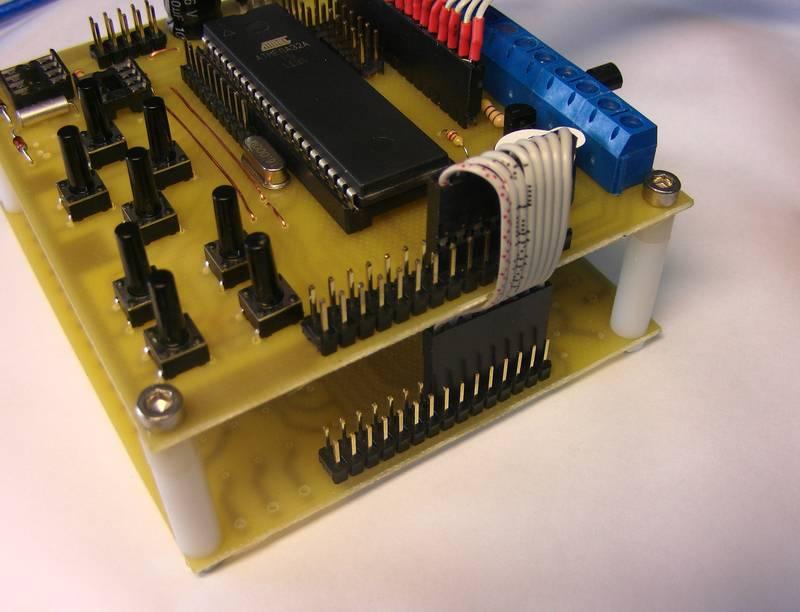 Termostat 4 Kana�owy DS18B20 LCD 4x20 Zadana i Histereza 0,1oC + Alarmy