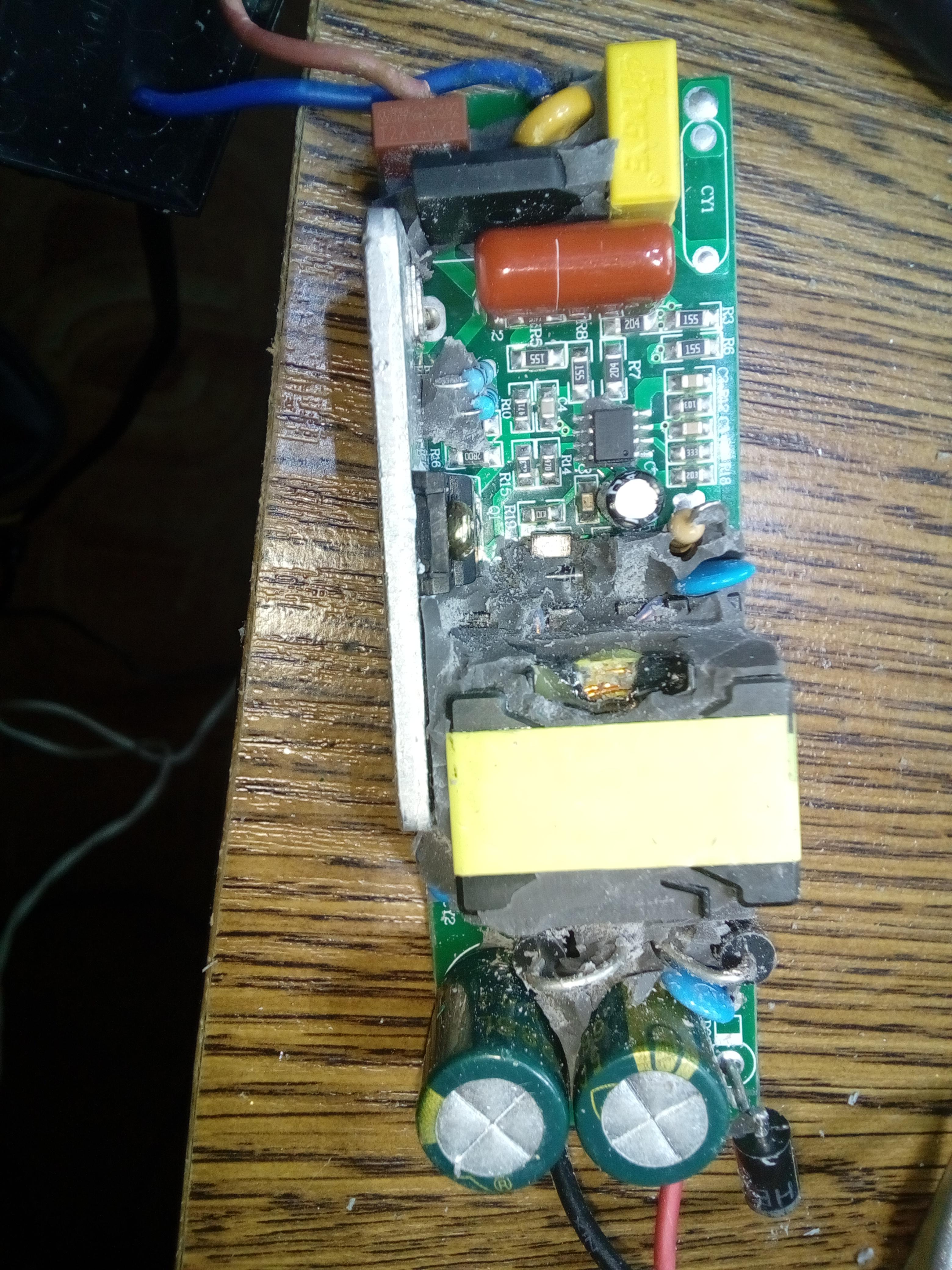 W superbly LED Driver 50W naprawa - COB miga - elektroda.pl SD28