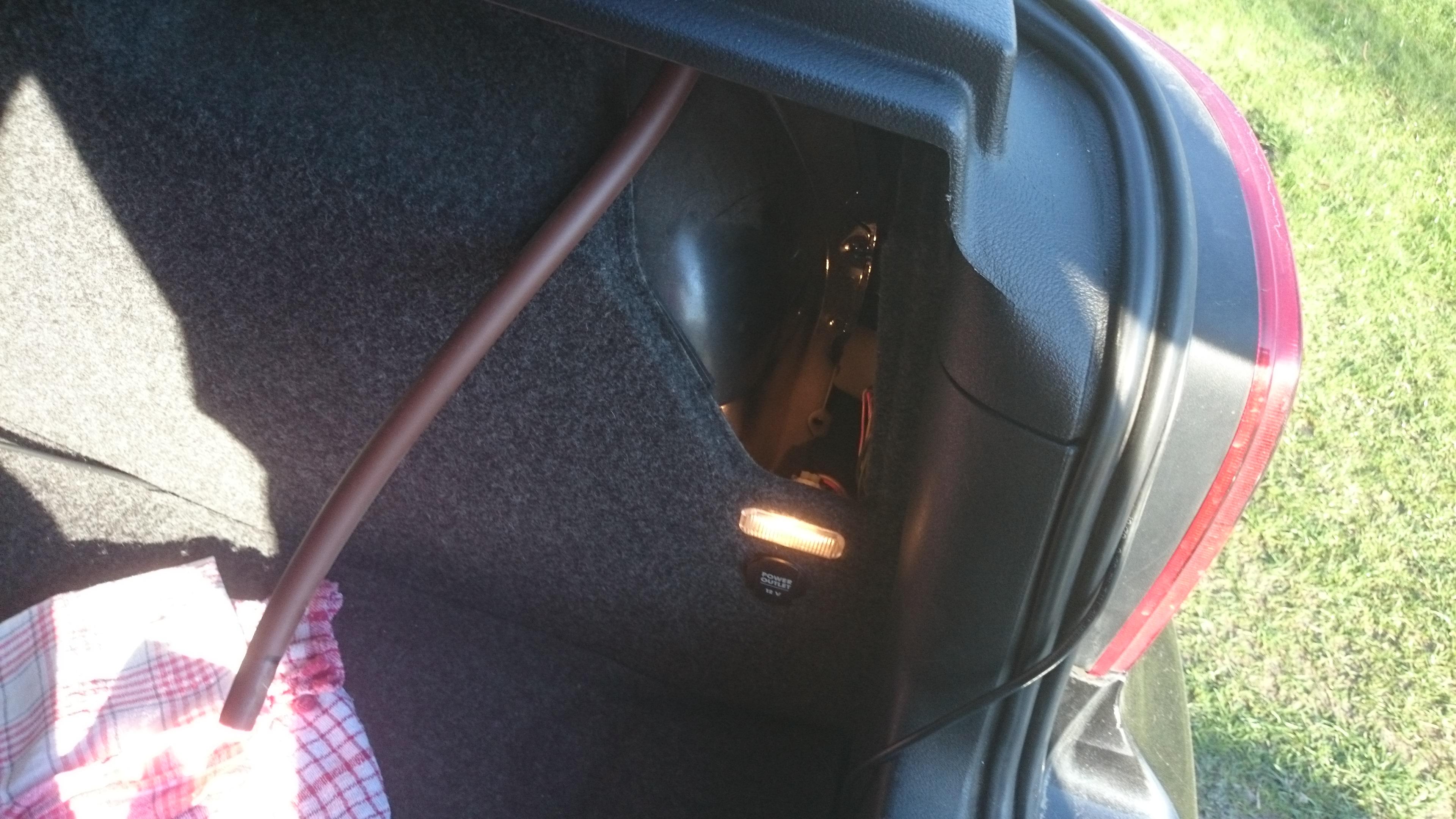 Golf IV - Od czego rurka w baga�niku?