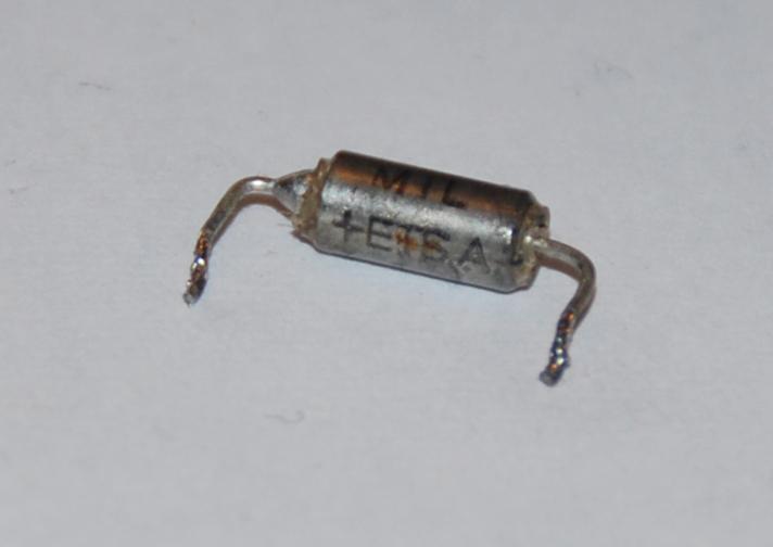 Identyfikacja elementu z uk�adu zap�onowego (kondensator)