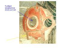 Ursus C-330 - Scinający wieloklin sprzęgła.
