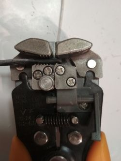 Mini Test: Automatyczny ściągacz izolacji Neo 01-500