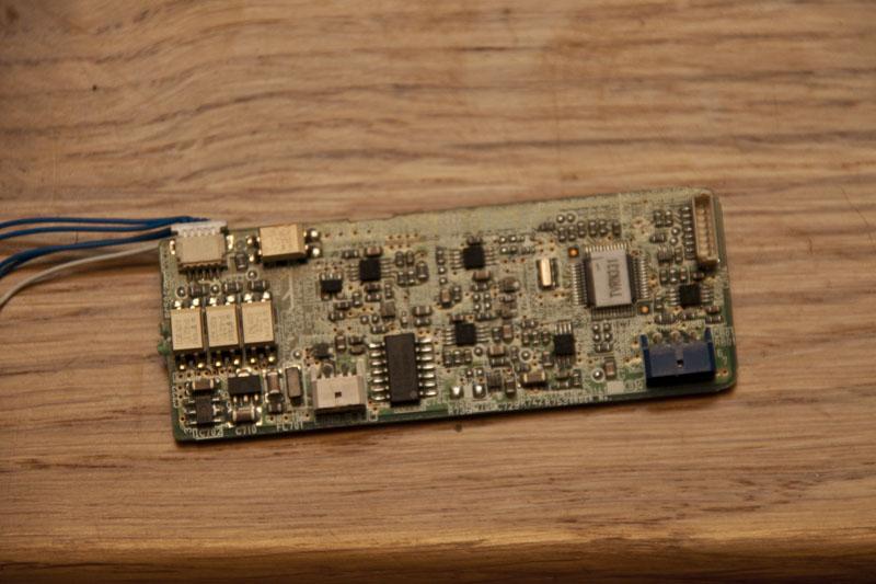 Panasonic PT-AE700U - Wysokie napi�cie ballastu, xenon 100W, czy zamieni� na LED