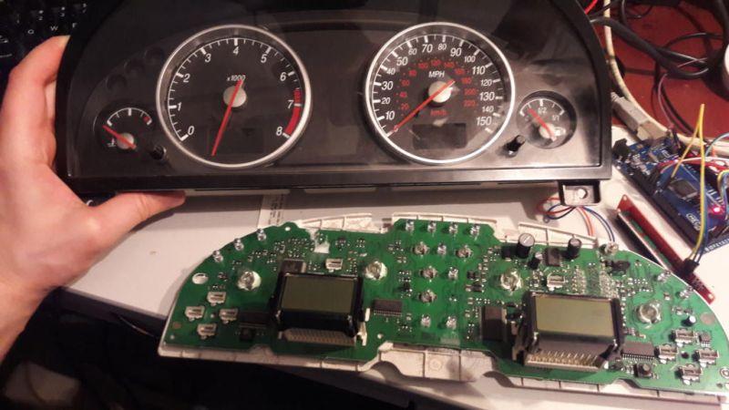 Ford/Mondeo/MK3 Licznik - CAN - Potrzebuję danych o złączu(pinout) licznika