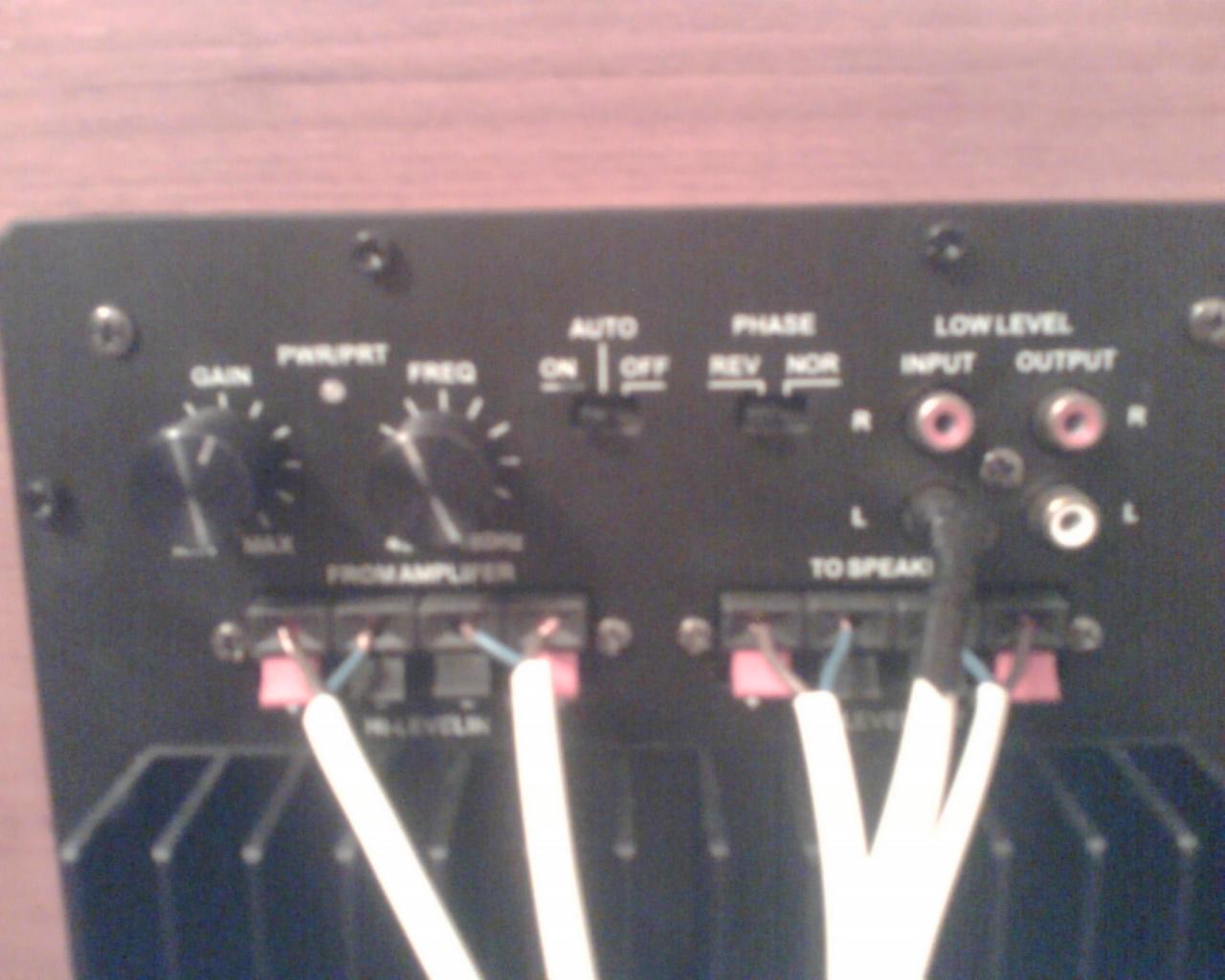 rozne tezy... podlaczenie suba pod ampka stereo/ odnawiam