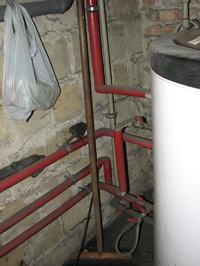 W ca�ym domu nie dzia�aj� termostaty w grzejnikach (grzej� zero-jedynkowo)