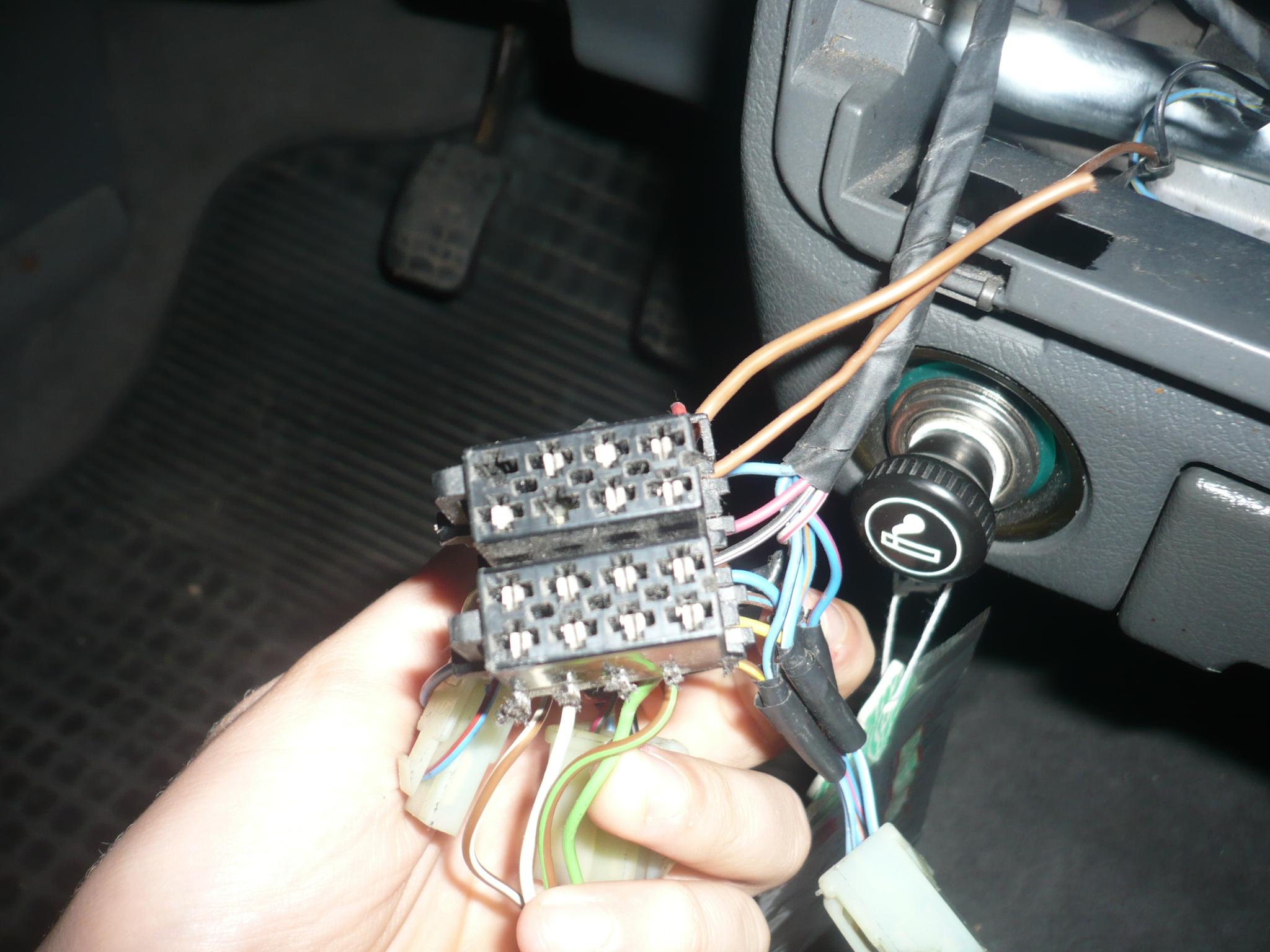 Pod��czenie radia samochodowego(kostka iso)