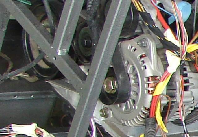 KDSF35 -> uszkodzony silnik indukcyjny, szczotkowy kr�ci za szybko..