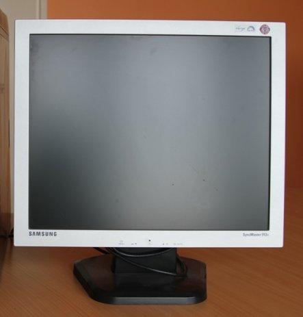 Jak pod��czy� dwa monitory pod laptopa (z��cza d-sub i hdmi)