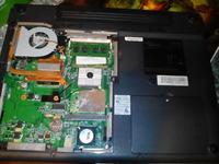 [Sprzedam] uszkodzony Fujitsu Siemens Amilo V3515