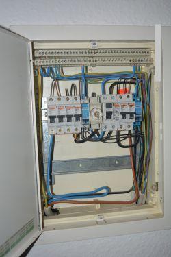 Modernizacja instalacji elektrycznej w bloku.