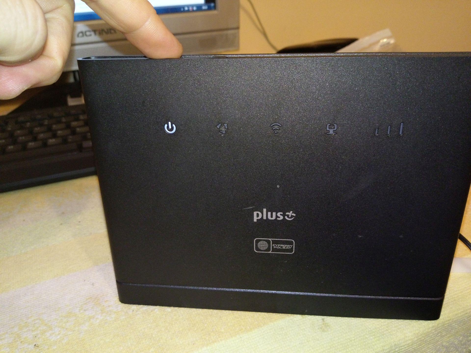 Solved] Huawei B315s-22 lights up only Power LED - elektroda com