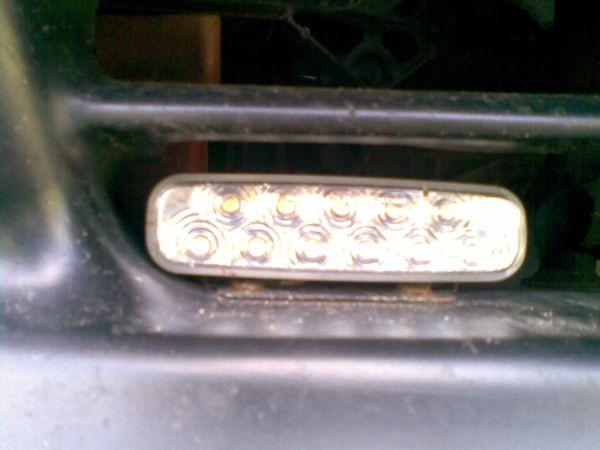 losowe dzia�anie lamp diodowych do jazdy dziennej