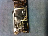 iPhone 4 - Dzia�a tylko podl�czony do �adowarki