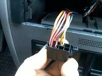 VW Jetta IV aktywny system + uniwersalne radio- wzmacniacz nie wy��cza si�.