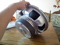 Identyfikacja głośnika niskotonowego