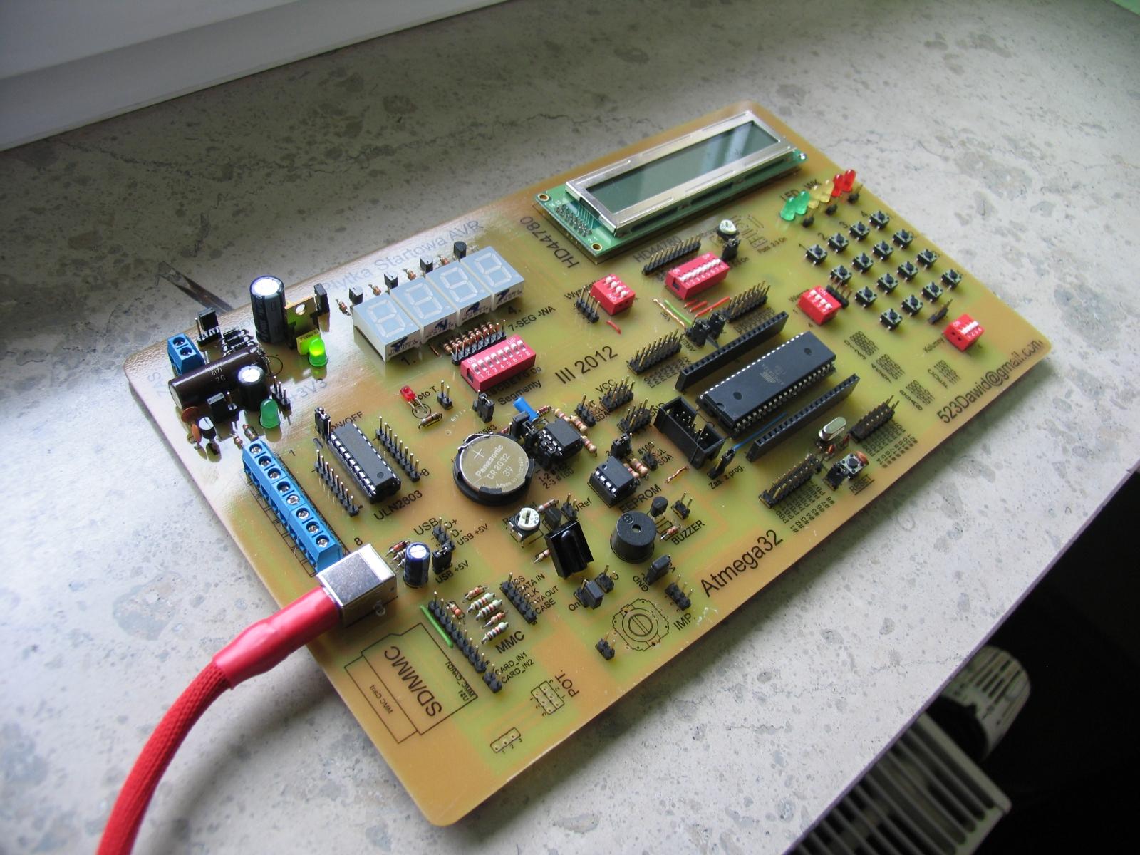 Prosta p�ytka startowa AVR