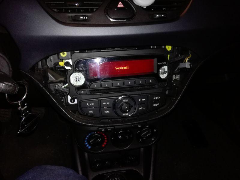 Corsa E - Wylogowanie radia z auta dawcy i wlogowanie do auta biorcy