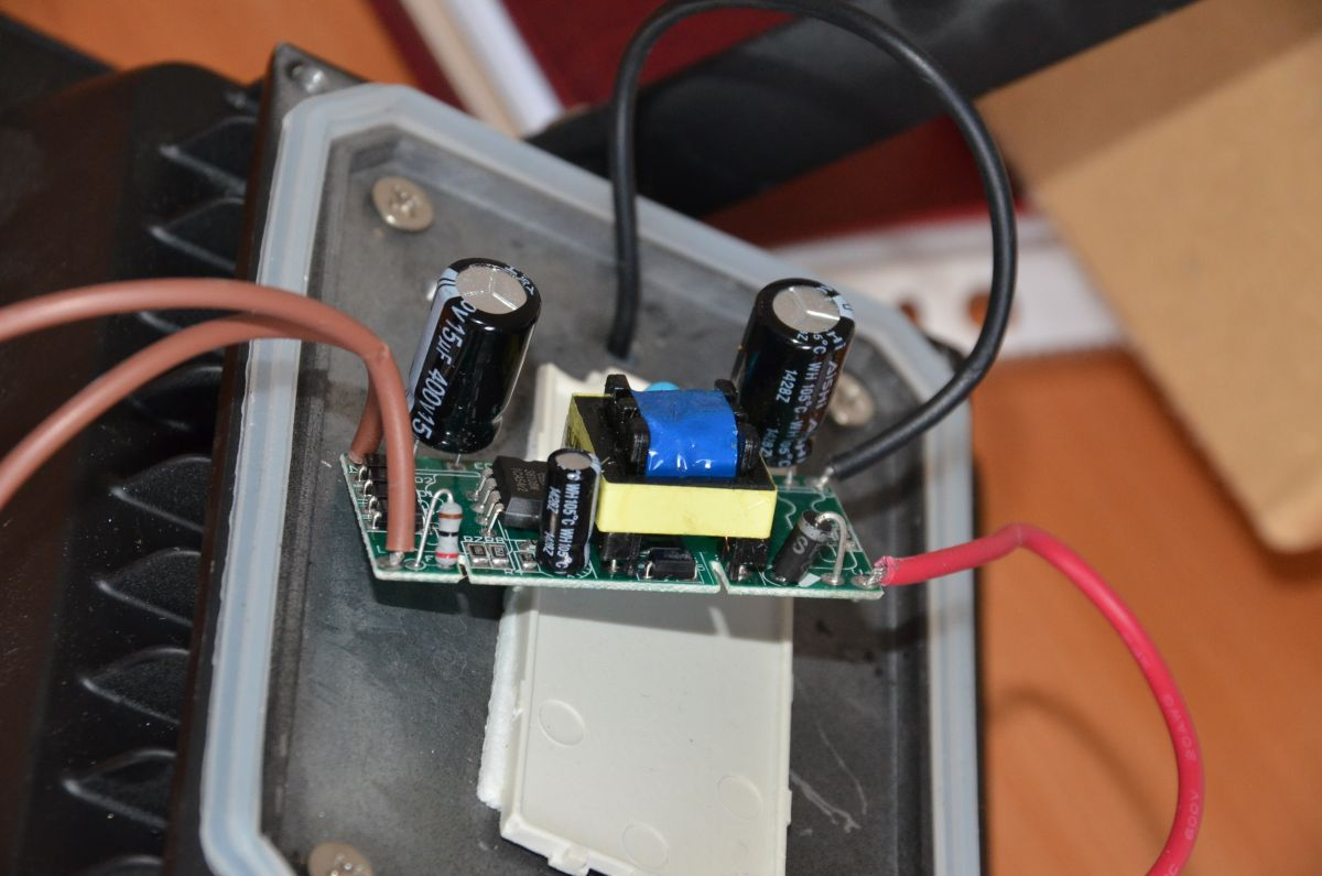 Modne ubrania LAMPA NAŚWIETLACZ LED 20W z czujnik ruchu - elektroda.pl CQ61