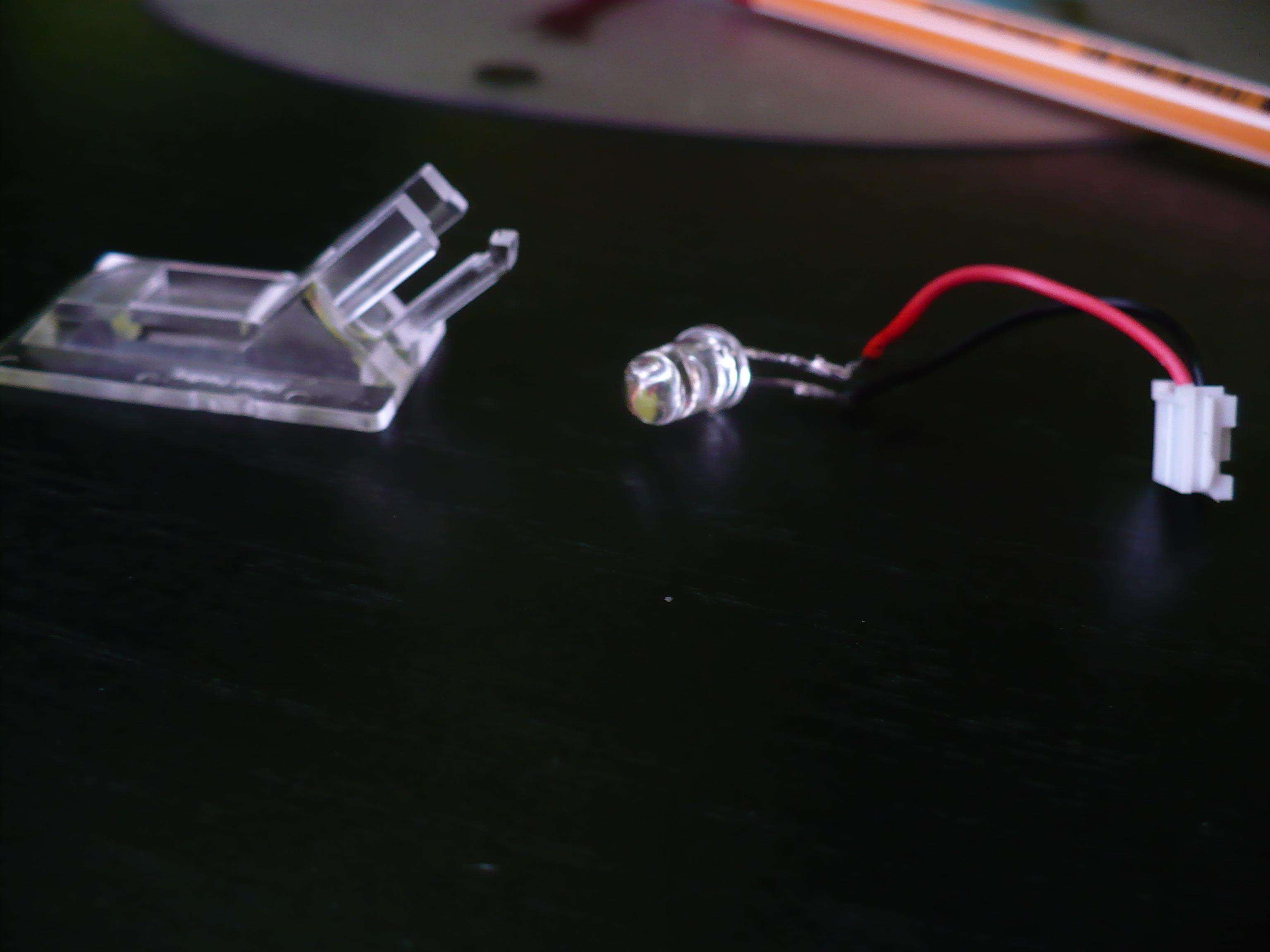 Dioda w myszy Benq L350 - po wymianie na czerwon� kursor skacze.