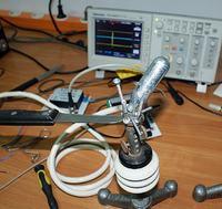 Impulsator do generacji silnych impulsów prądowych z baterii superkondensatorów