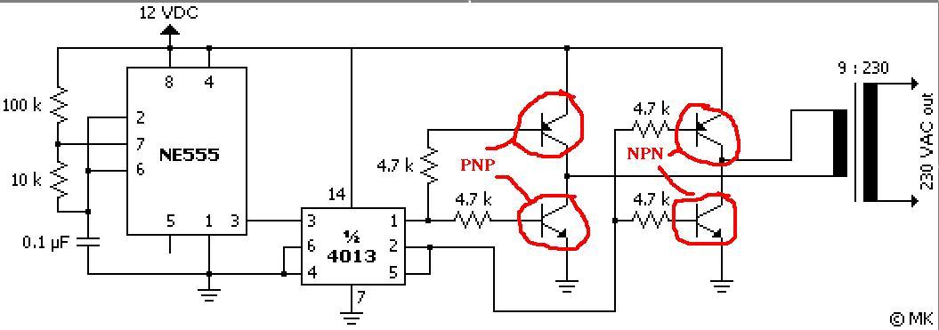 Przetwornica 12/220V. Na uzwojeniu pierwotnym jest 10V prądu zmiennego.
