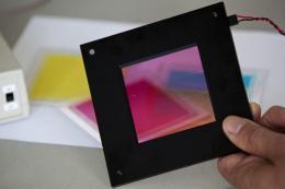 Philips e-skin, papier zmieniający kolor