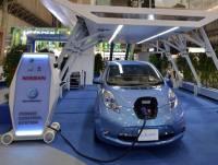 """Nissan prezentuje ładowarkę """"tankującą"""" elektryczny samochód w 10 minu"""